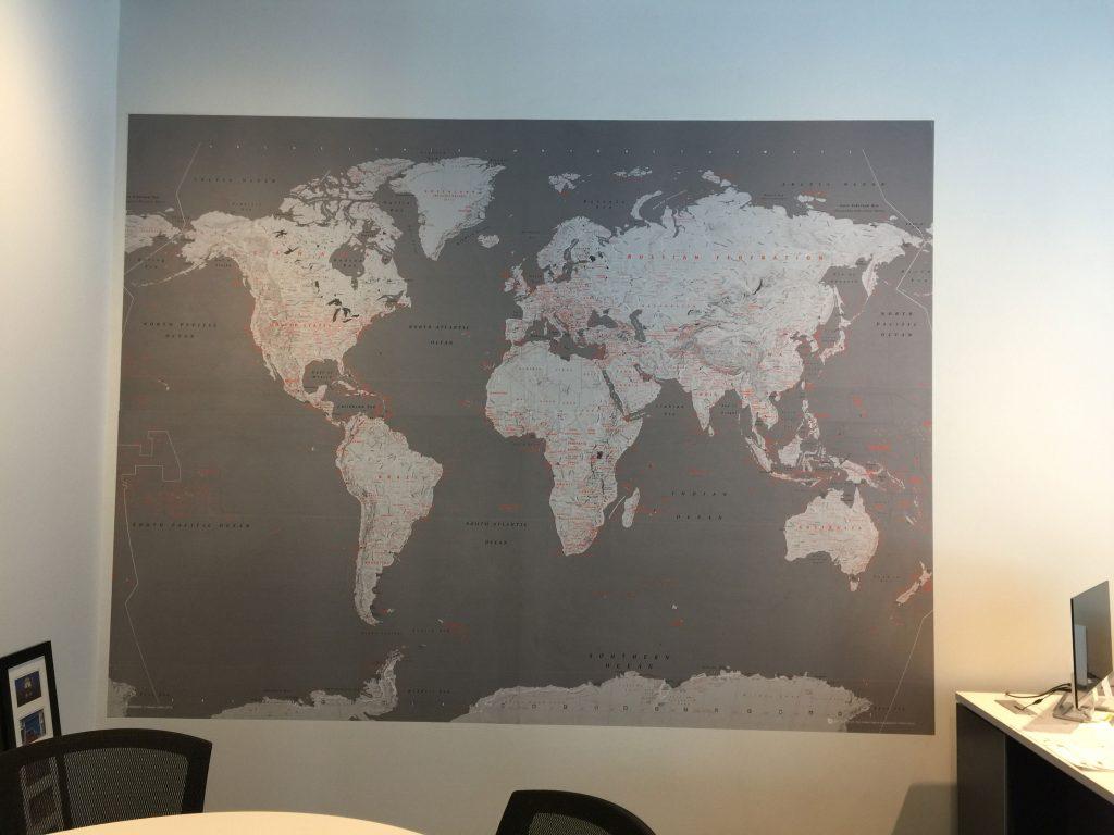 photo-murale-carte-monde_mur-o-tech